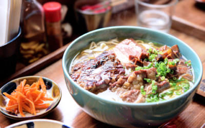 OKINAWA SOBA EIBUN : 小酒館風格沖繩麵舖